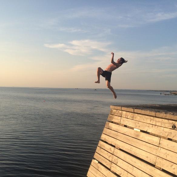Titanic, populärt ställe att utmana sina egna rädslor. Så också för denna turistande yngling. Jag messade fotot till honom när han kom upp igen!